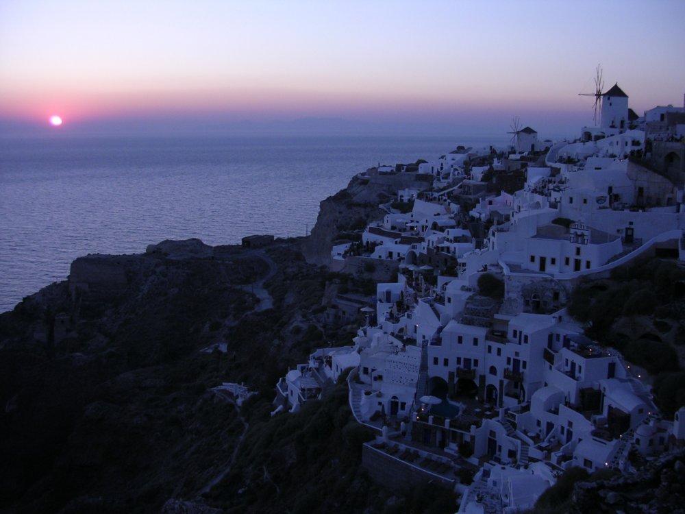 Oia_-_tramonto_sul_mare.jpg