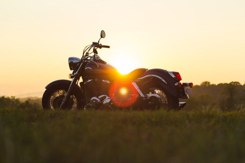 motorcycle-933022_960_720.jpg