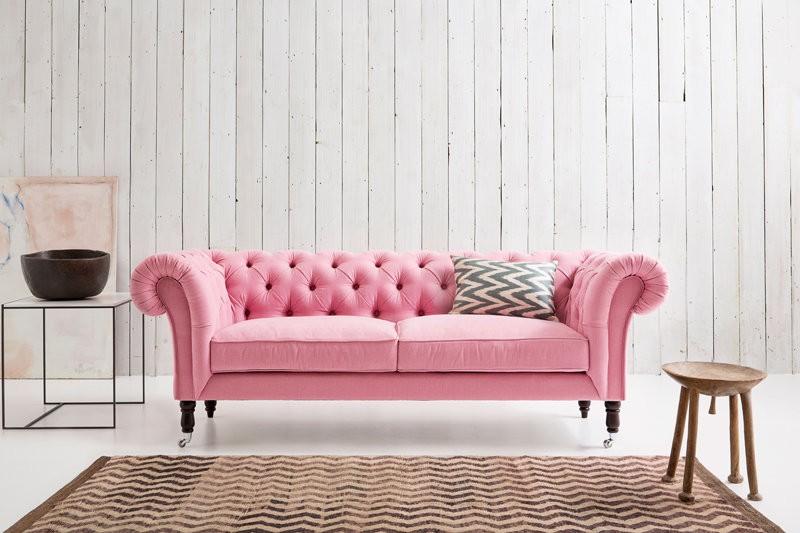 Pink-Chesterfield-Sofa.jpg.9d7846288b9dcfd0a2eab9c63e6874dc.jpg