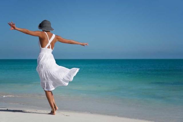 donna-spiaggia-mare-640x426.jpg
