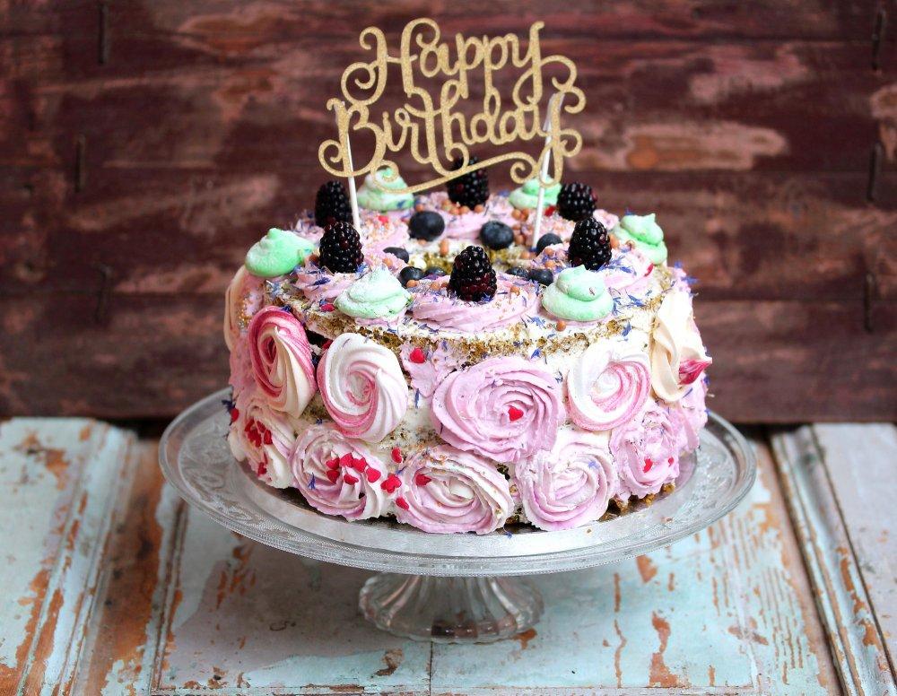 torta-di-compleanno-con-frosting-di-rose.jpg