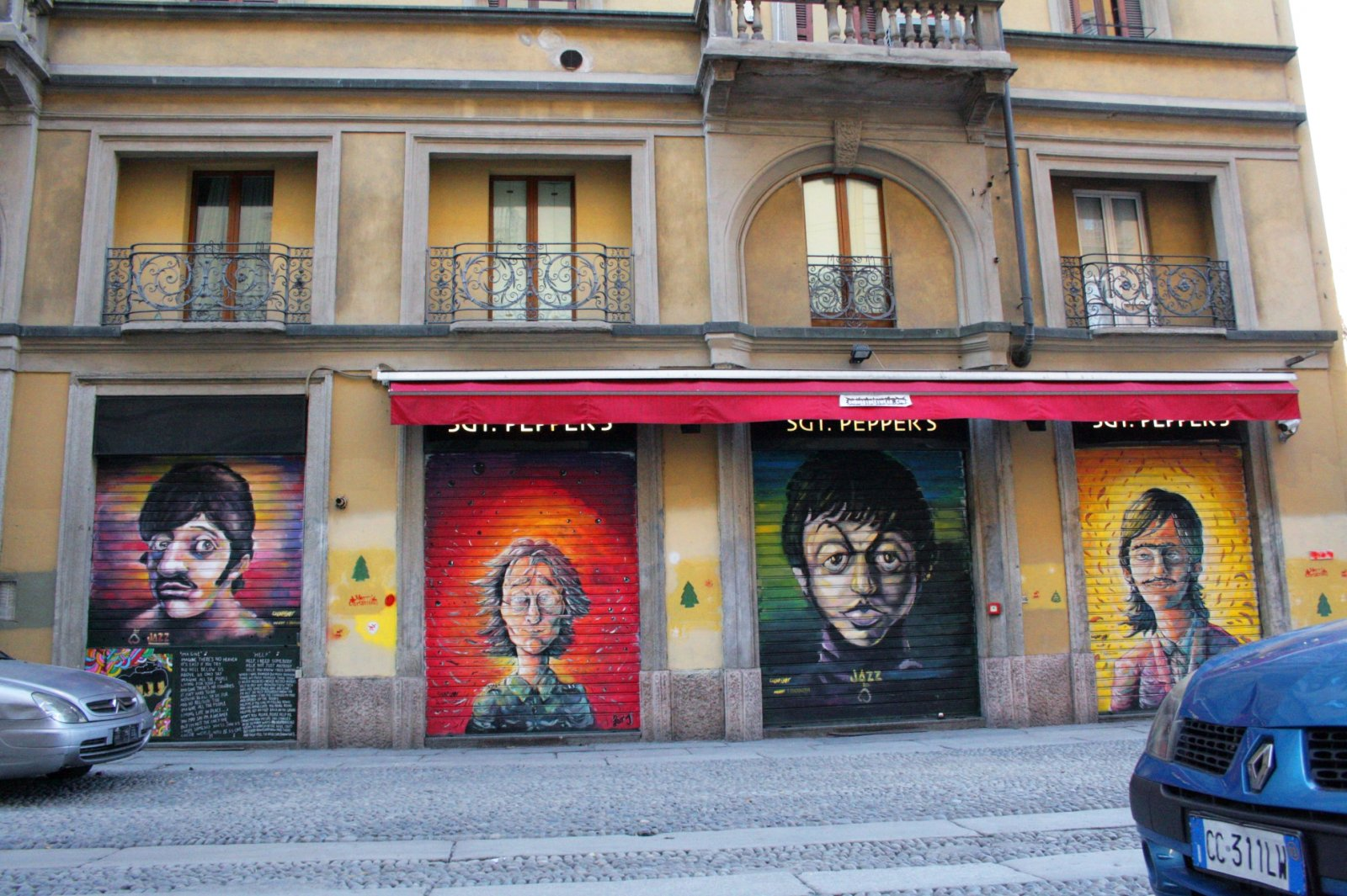 Milano,_Graffiti_Beatles.JPG