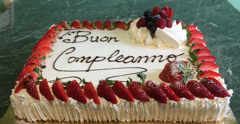 torta-di-compleanno-panna-e-fragole.jpg