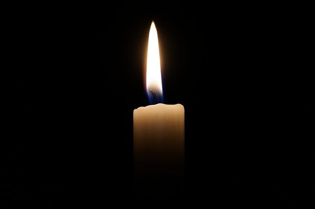 candle-2038736_640.jpg