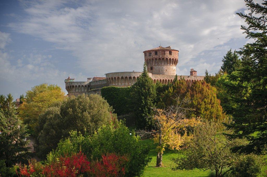 Volterra colori d'autunno , Pisa.jpg