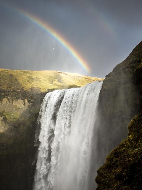 rainbows-1082107_640.jpg