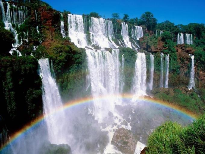 cascate di iguacù brasiliano e argentino echi natura.jpg