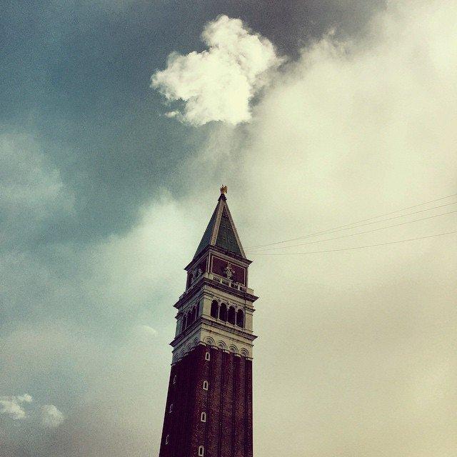 campanile di piazza San Marco con pennacchio