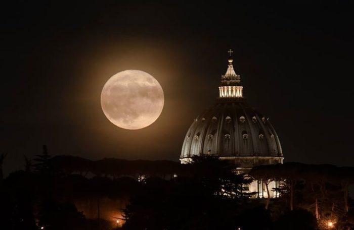 luna e san pietro.jpg