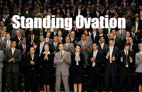 Standing-Ovation.jpg.dc438fd98a7e0eea410cb513e897ca01.jpg