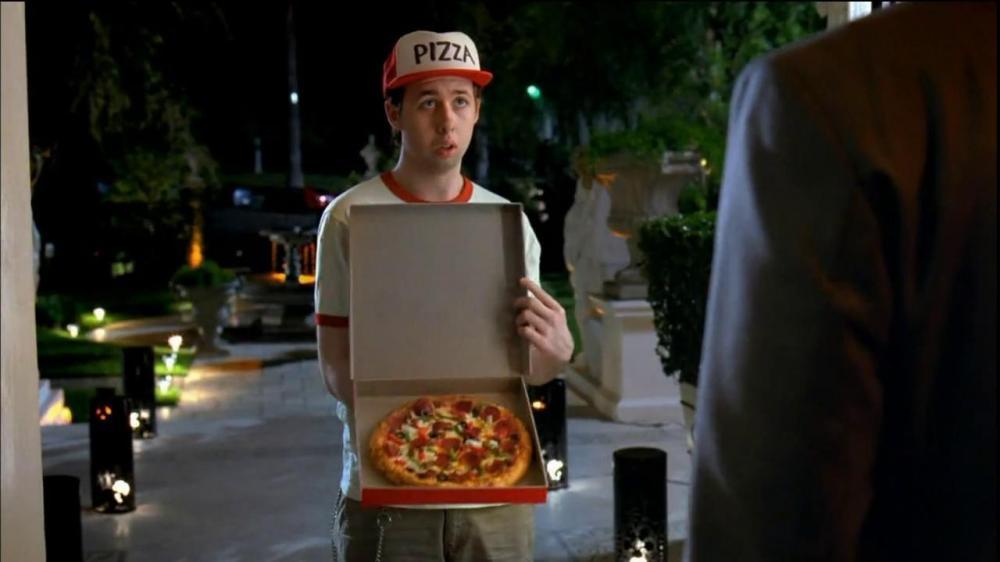 fake-pizza-delivery-fattorino-consegna-cartone-schifo.jpg