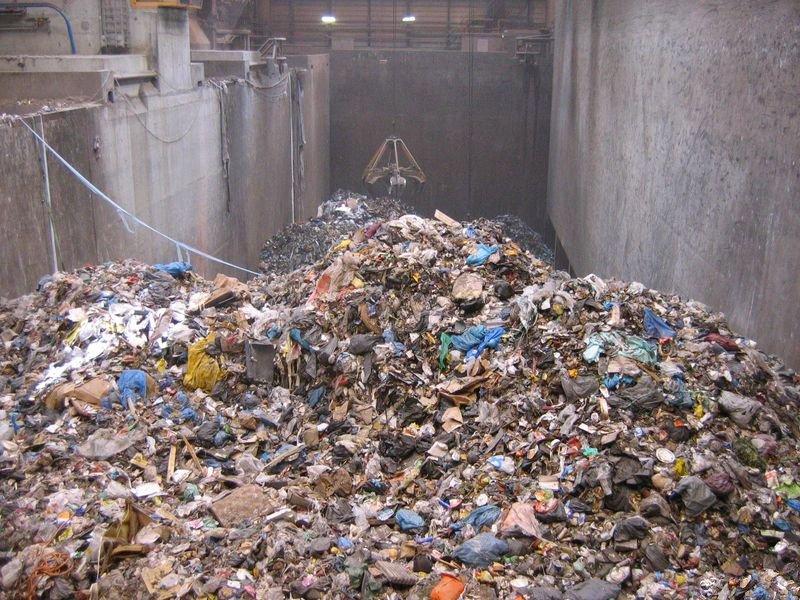 vuilnis_bij_essent_milieu.jpg