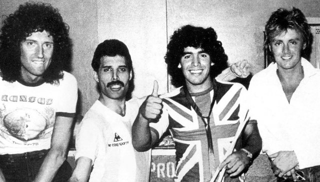queen-maradona.jpg
