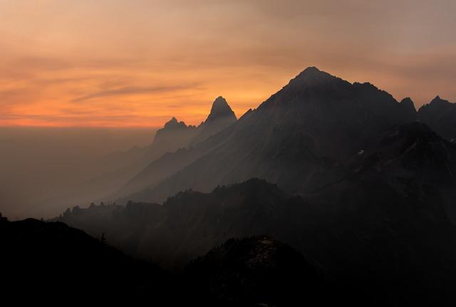 mountain-918404_640.jpg