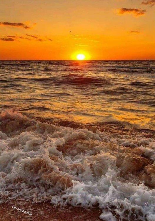 tramonto.thumb.jpg.4c1d4113d0edc62f9fadaaa5f9078026.jpg