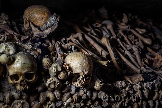 catacombs-901362_640.jpg