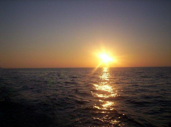 sailing-5-terre-day-tours.jpg.867671cd0c949631635c25999fc5f53b.jpg
