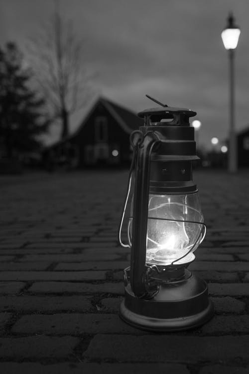 light-lantern-street-black-688310.jpeg