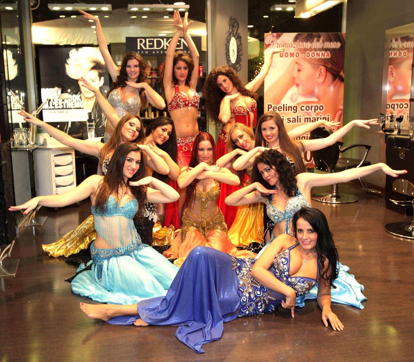 Danza del ventre a Palermo Sicilia con Sabah Benziadi.jpg