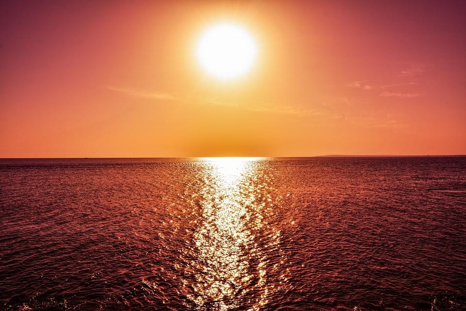 sunset-2873119_960_720.jpg