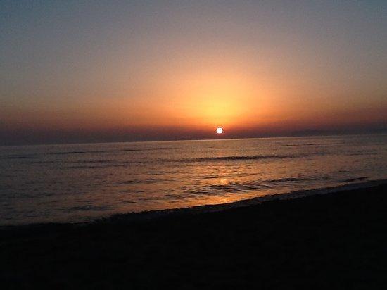 tramonto-a-viareggiola.jpg.782a8336c4765e6b303858f381fc8814.jpg