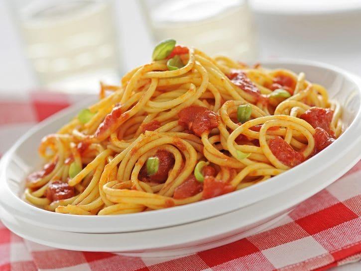 Spaghetti-al-pomodoro-725x545.jpg
