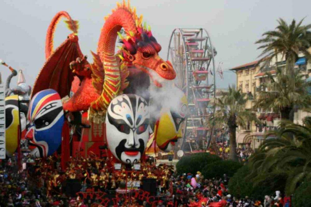 Carnevale-di-Viareggio-2010.thumb.jpg.8746fc1e08cbbc76a5daf98b24773e15.jpg