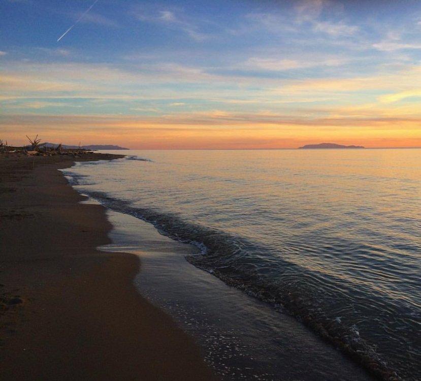 tramonto-maremma.thumb.jpg.244c17cdaf06b57654aa134575c9f8d9.jpg