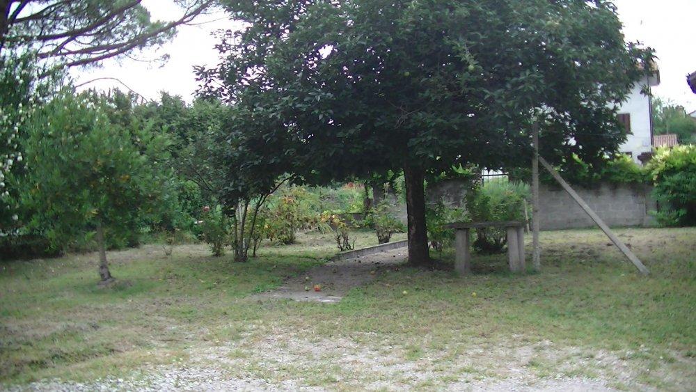 vista giardino con l'entrata piccola_1.jpg