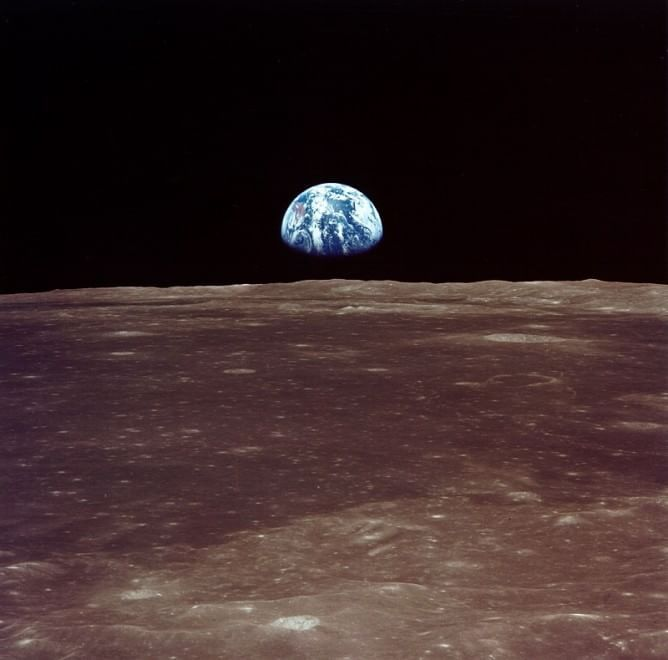 Un granello di polvere nell'Universo_ la Terra vista dallo spazio.jpg