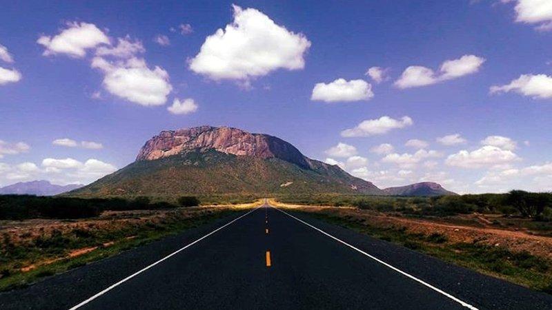 Strada verso la terra di Samburu