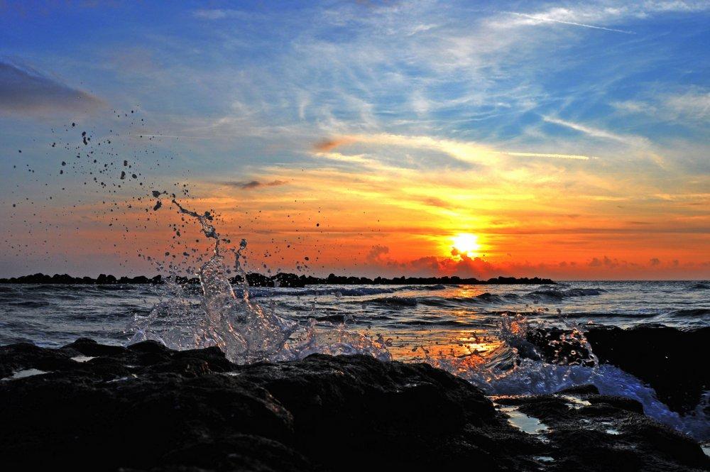 tramonto-sul-mare-aaee84aa-2f4a-473f-8f14-a5ecab6ad817.thumb.jpg.cb3b0a32f54e973d98cbffdedfec2c9c.jpg