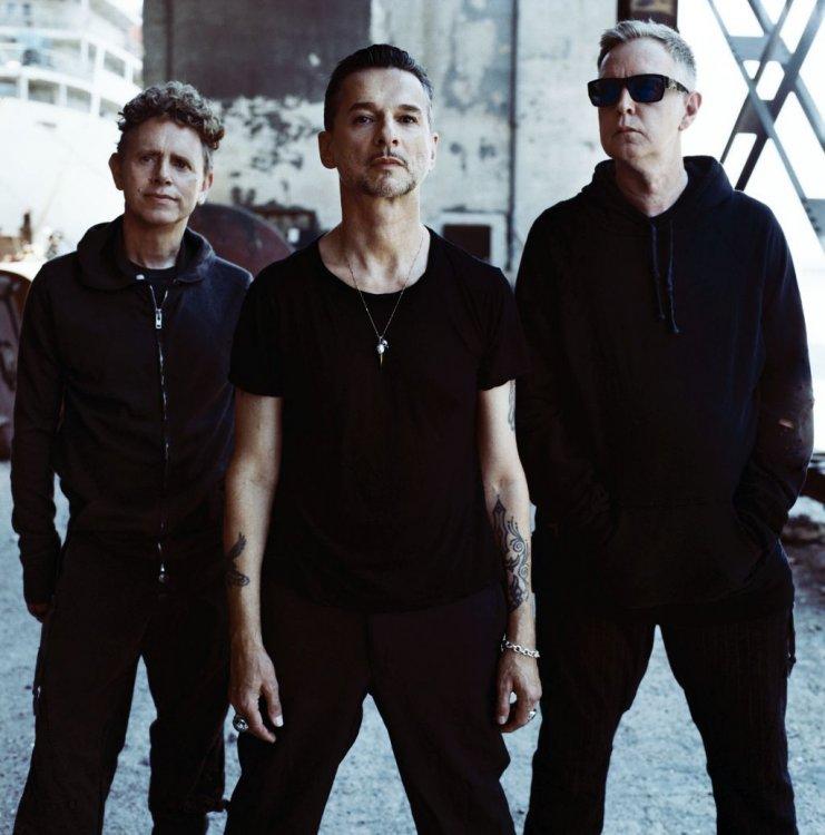 Depeche-Mode-Photo_3_Color_-_Photo_Credit_Anton_Corbijn1-111930586.jpg