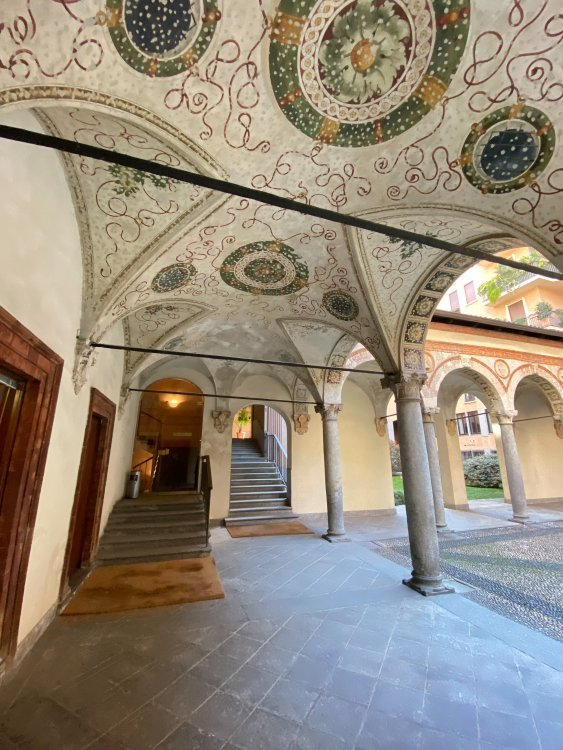 Palazzo Dal Verme.jpg