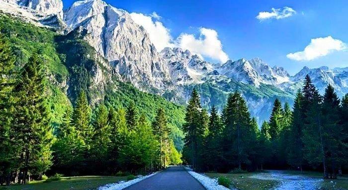 Alpi-Valbona-700x383.jpg