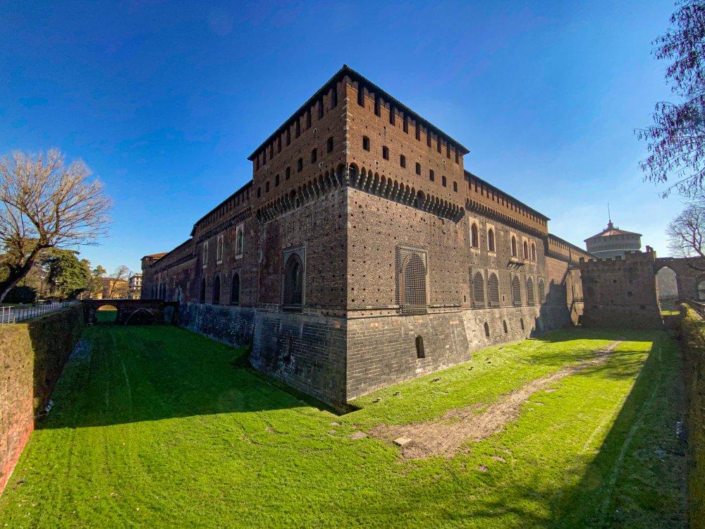 Castello_Sforzesco.jpg