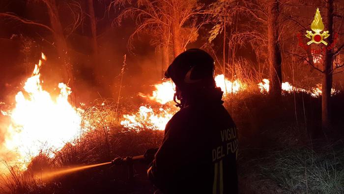 incendio_VF.jpg.ce8798be804018d514d984cff6d18a73.jpg