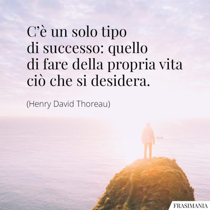 frasi-successo-vita-thoreau-700x700.jpg
